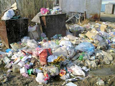 В Мукачеві вже вигоріло все, залишилося тільки сміття