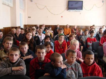 Представники МНС привітали учнів Часлівської школи-інтернату з останнім дзвоником
