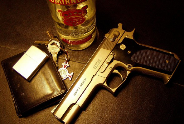 Затримали за п'янку, посадять за зброю