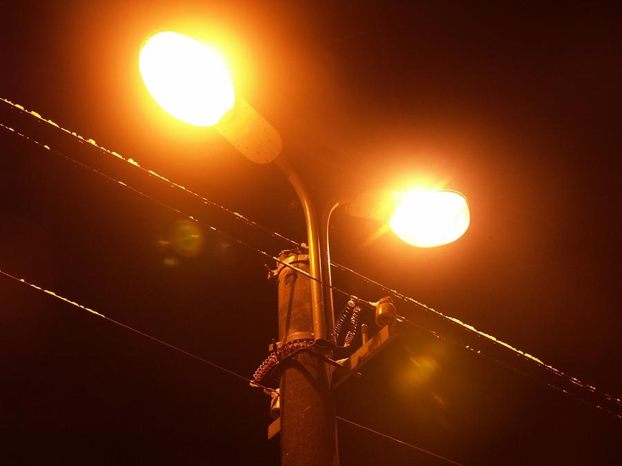 """В мікрорайоні """"Шипка"""" нарешті освітлені вулиці"""