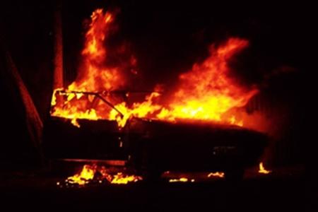 Цієї ночі в Ужгороді невідомі спалили джип Маргарити Мощак