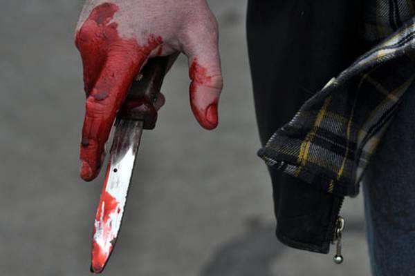 Виноградівця штрикнув ножем підліток