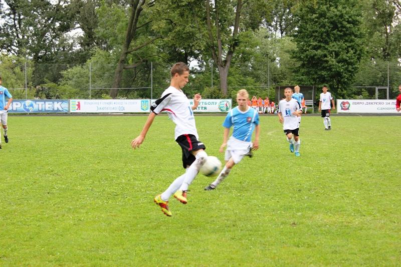 Кращими футболістами Закарпаття стали спортсмени з Мукачева (ФОТО)