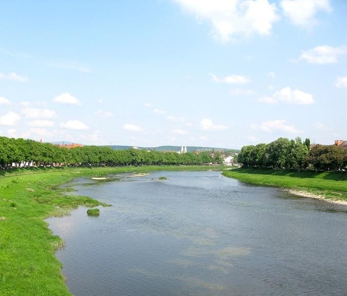 На Перечинщині каналізаційні відходи зливають прямо в річку Уж