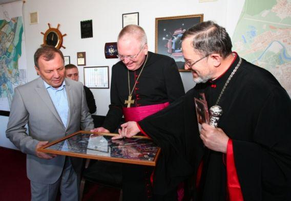 В Закарпатті перебуває посланець Папи Римського