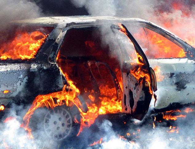 В Мукачеві під час руху загорілось авто (ДОДАНО ФОТО)