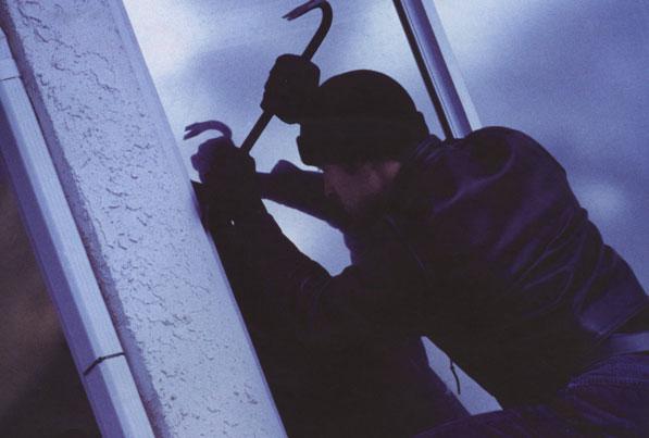 Мукачівець пограбував квартиру азербайджанця