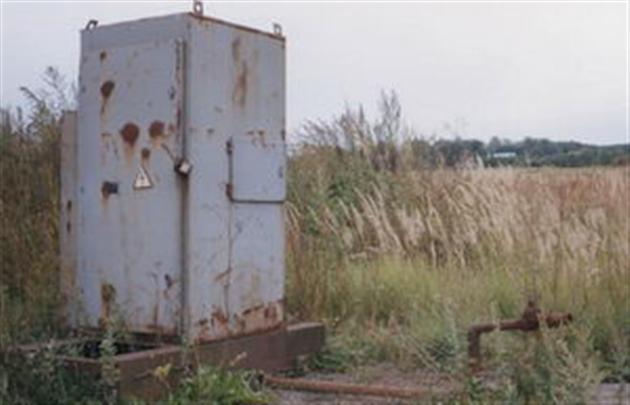 На Мукачівщині затримали чоловіків, що демонтували трансформаторну будку