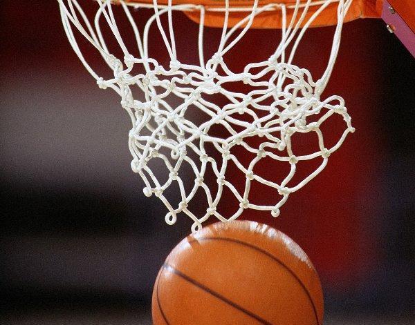 Мукачівські ветерани баскетболу змагались зі словаками