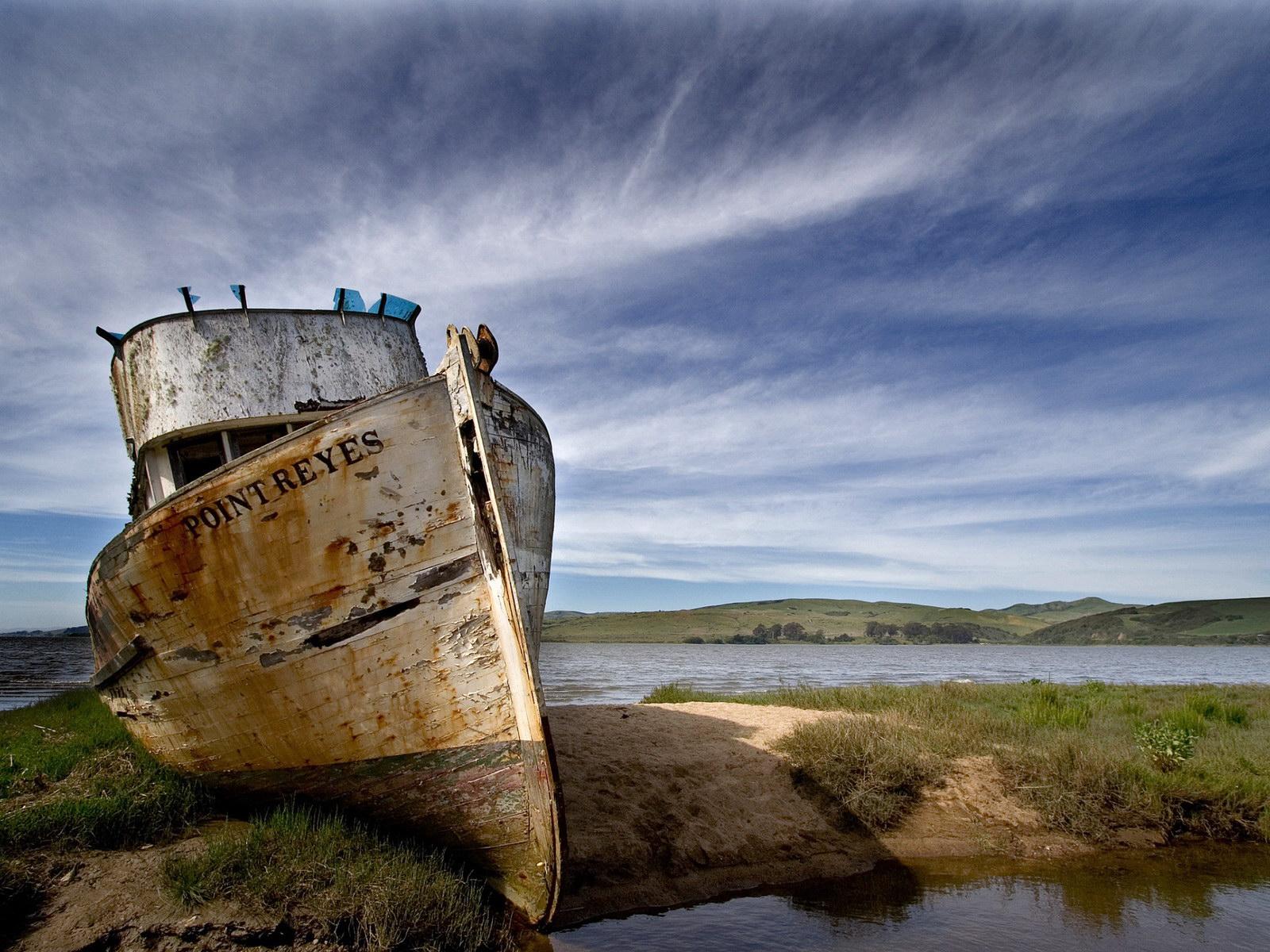 Кримчанин здав на металобрухт два кораблі