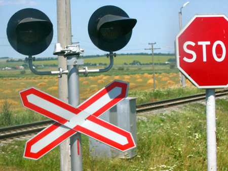 Закарпатець зломав світлофор на залізниці