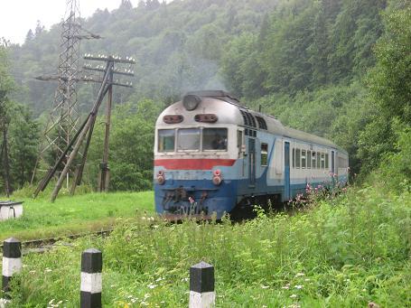 На Закарпатті потяг збив чоловіка