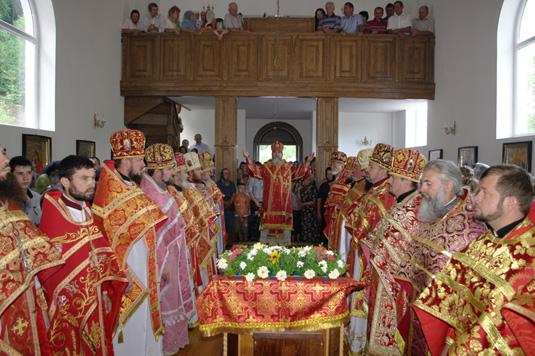 Владика Феодор очолив богослужіння з нагоди престольного свята в Свято-Пантелеймонівському монастирі (ФОТО)