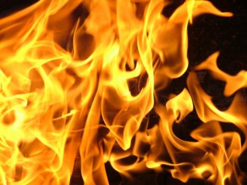 Ужгородець вчинив самоспалення у власному автомобілі