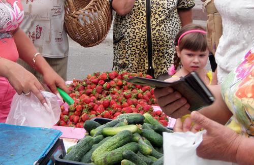 На Іршавщині зі стихійною торгівлею боротимуться представники ДАІ