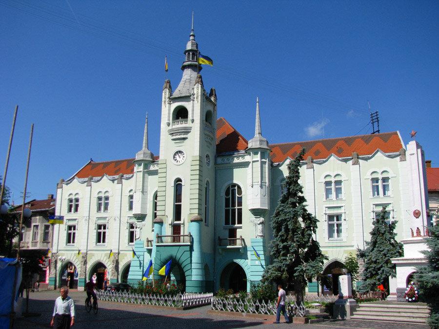 В Мукачеві створена єдина в Україні Громадська рада з дотримання прав людини при виконавчому комітеті міської ради