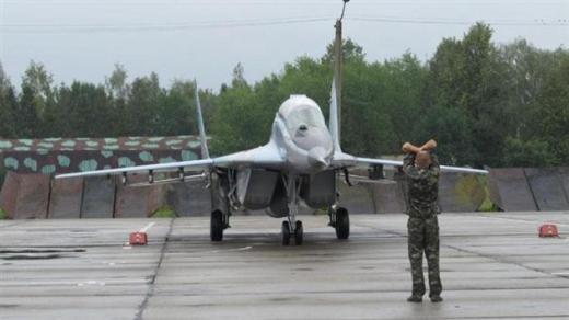В небі Мукачева з'явились військові літаки (ФОТО)