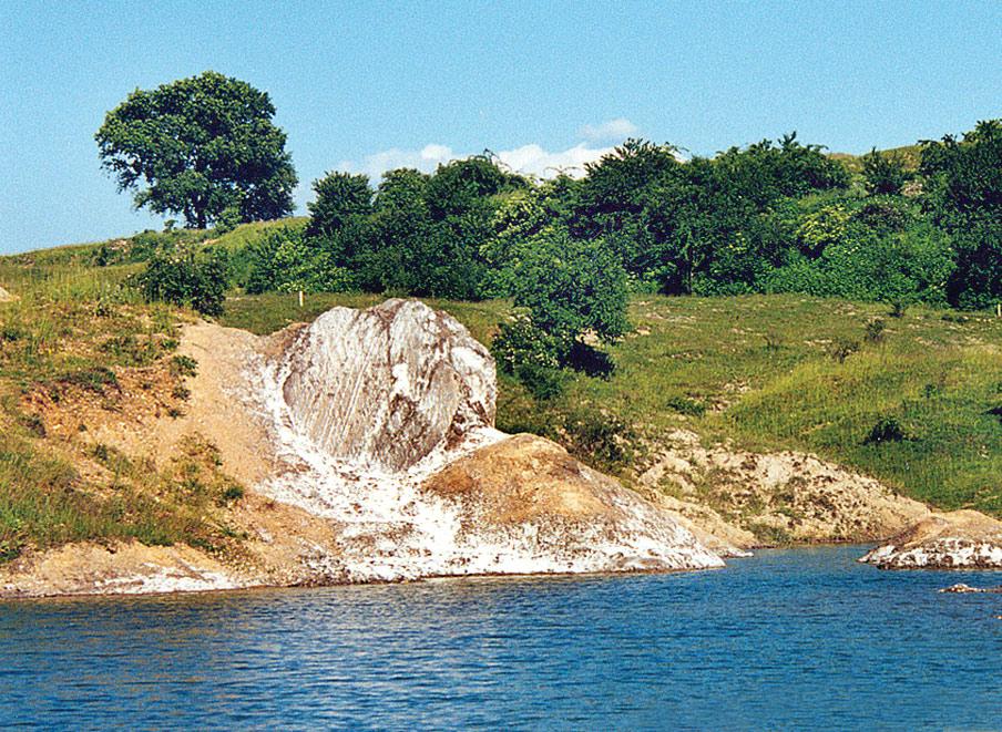 На березі Тиси затримали оголених нелегалів з Румунії