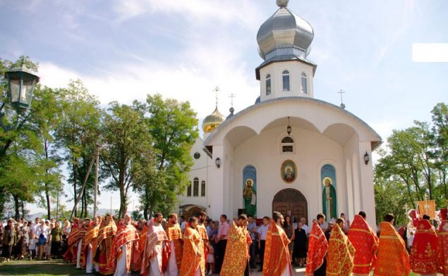 Архієпископ Феодор очолив святкове богослужіння в Дубрівському жіночому монастирі