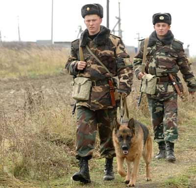Мукачівські прикордонники припинили спробу протиправної діяльності українців