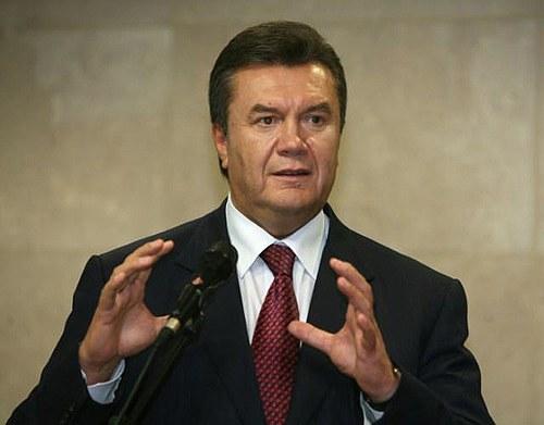 Президент побажав Тимошенко скорішого одужання, для того щоб потрапити до суду