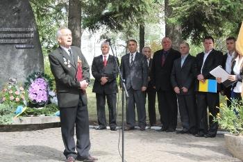 У Чорному Потоку на Іршавщині куштували партизанську кашу (ФОТО)