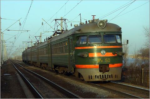 На Мукачівщині потяг ледь не переїхав людину