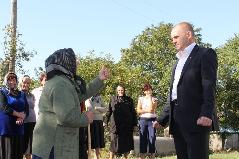 Виборці почали самі організовувати зустрічі з Вячеславом Шутком