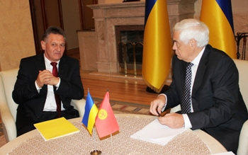 Губернатор Закарпаття зустрівся з послом Киргизтану