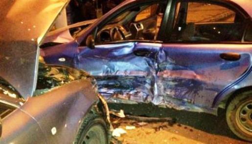В Ужгороді на перехресті зіткнулись автомобілі (ФОТО)
