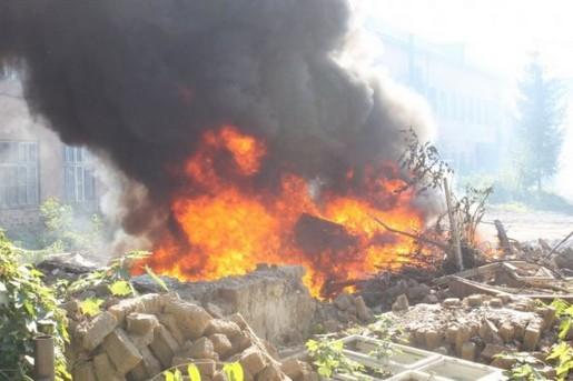 Пожежа на території Ужгородської взуттєвої фабрики (ФОТО)
