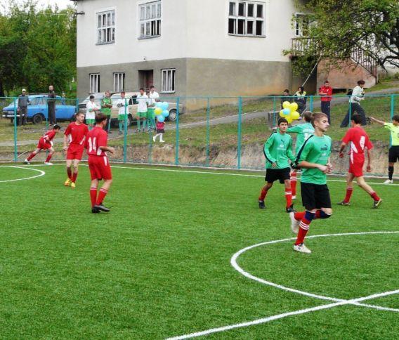 На Іршавщині відкрили нове футбольне поле в рамках програми «Спортивний майданчик»