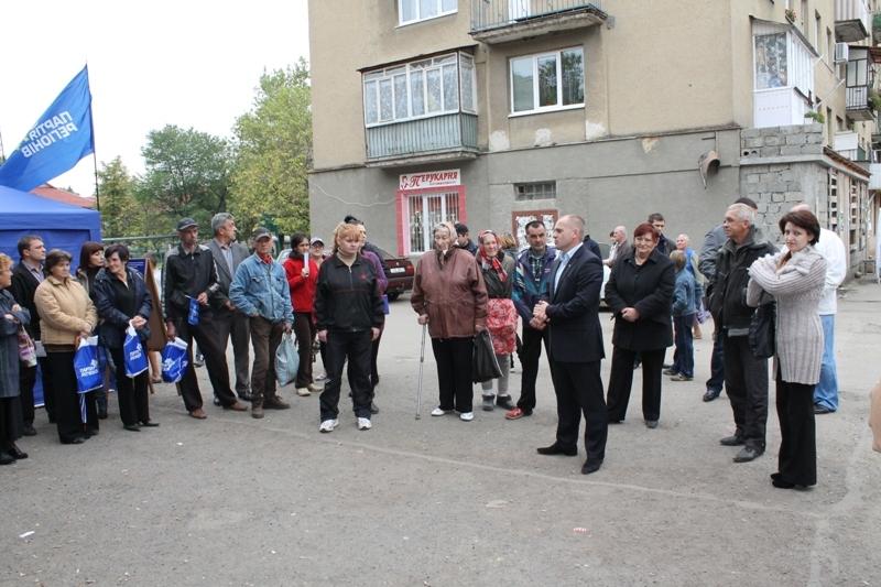 Вячеслав Шутко розпочав зустрічі з виборцями у рідному місті
