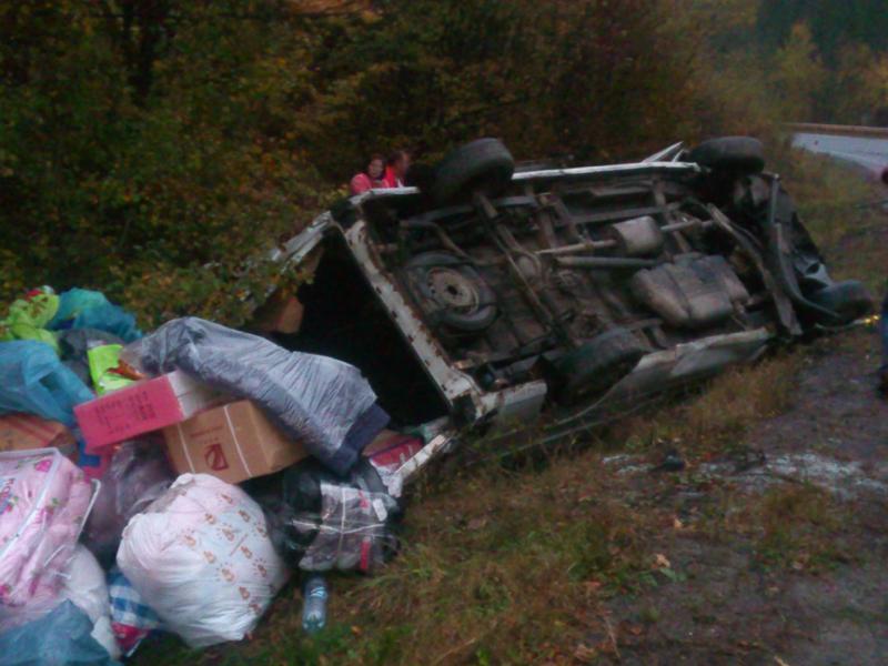 Порушено кримінальну справу за фактом аварії мікроавтобуса на Закарпатті