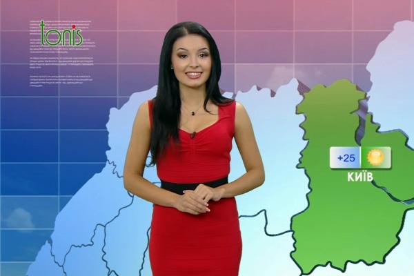 """Закарпатка Ангеліна Моняк веде погоду на телеканалі """"Тоніс"""" (ВІДЕО)"""