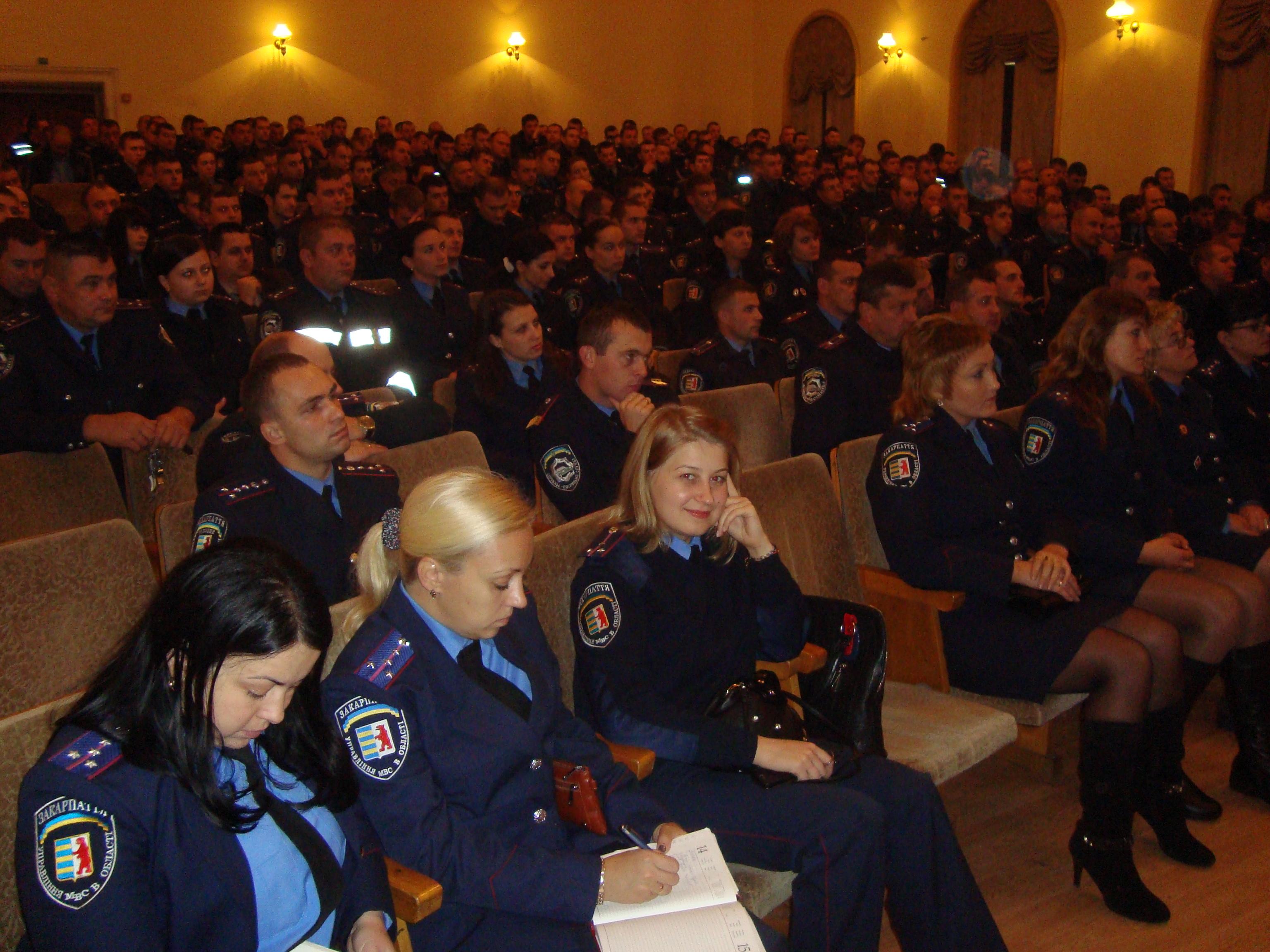 Мукачівським міліціонерам,  які забезпечуватимуть громадський порядок під час виборів, провели інструктаж