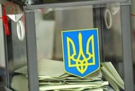 Вячеслав Шутко контролює процес голосування у Мукачеві