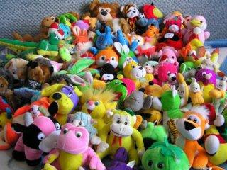 «Поділись улюбленою іграшкою» - нова ініціатива відділу освіти міста Мукачева