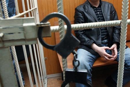 Членів злочинної групи, яка вчиняла грабежі та крадіжки засудили до позбавлення волі