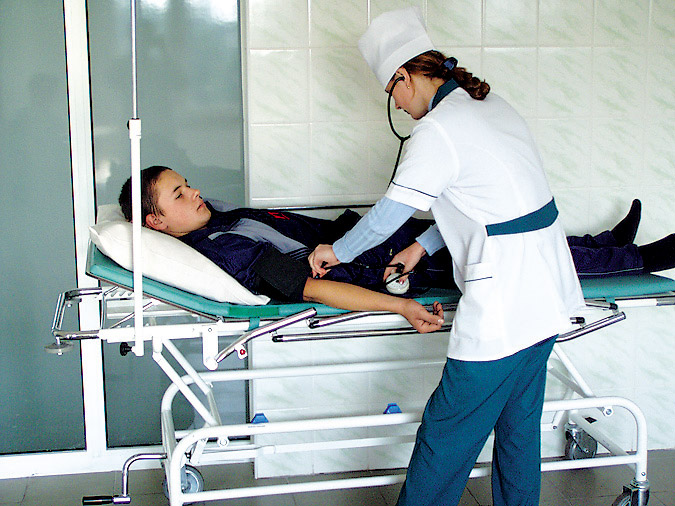 Ужгородська влада планує скоротити 80 лікарів