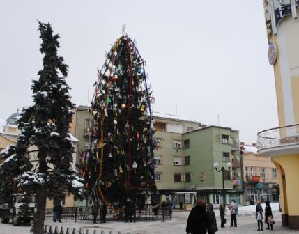 Мукачево визначилось із головною ялинкою міста