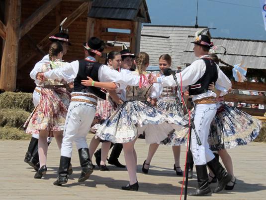 В Ужгороді танцювали словацькі народні танці
