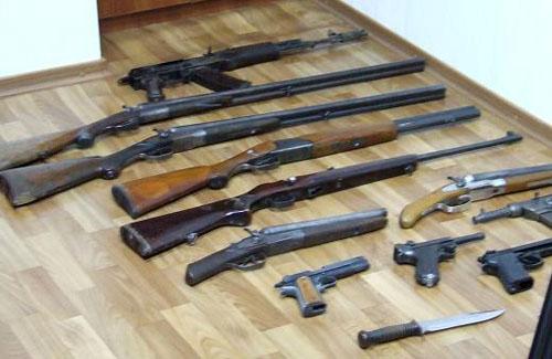 На Тячівщині затримали осіб з незареєстрованою зброєю
