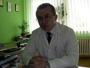 Екс-головлікар Ужгородського перинатального центру не пам'ятає, де його документи