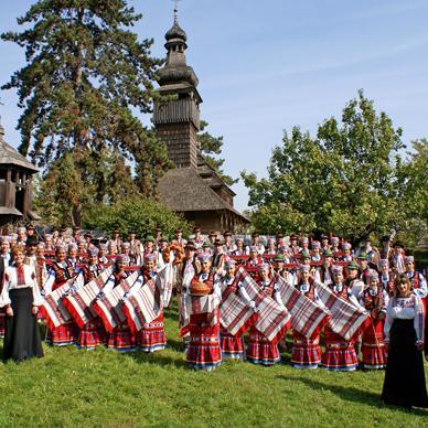 """На """"Першому Ukraine"""" розкажуть і покажуть про історію, культуру і традиції Закарпаття"""