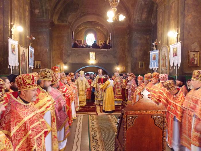 Архієпископа Феодора молитовно вітали з днем Ангела (ФОТО)