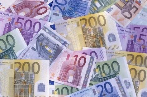 В іноземця з кросівки викрали велику суму грошей