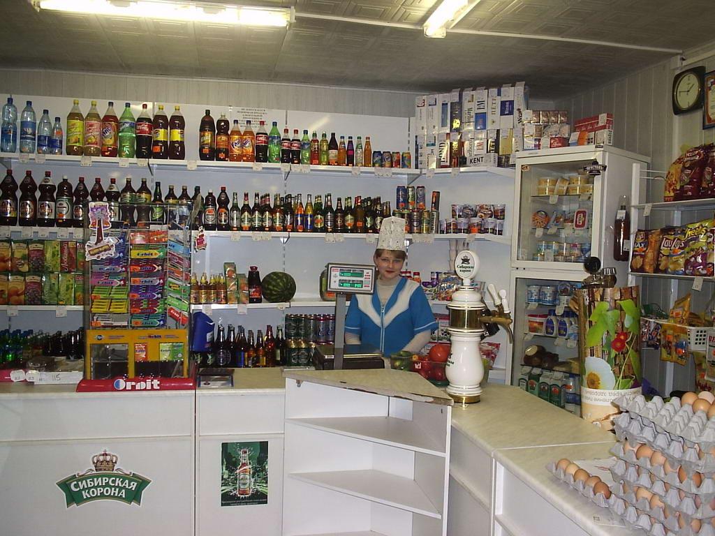 На Хустщині злочинець викрав з магазину продукти харчування
