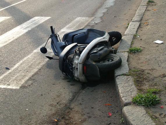 В Мукачівському районі хлопець на скутері врізався в електроопору