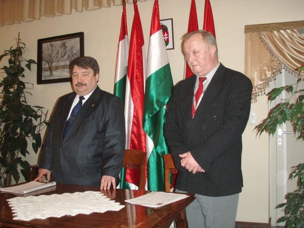 Генконсульство Угорщини в Ужгороді відзначило видачу 20-тисячного дозволу